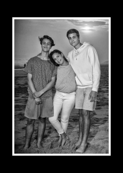 BEACH-FAMILY-2BW